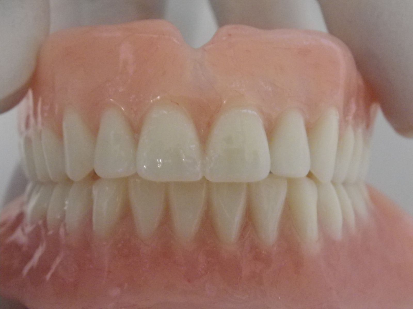 how to clean partial dentures naturally